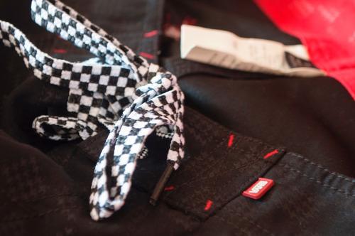 pantaloneta bermuda vans original negro cuadros talla 32
