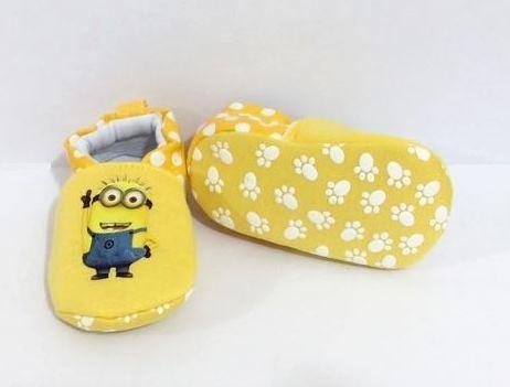 012f57036cb9f3 Pantufa Infantil Minion Tecido Antiderrapante Sapatinho Bebê