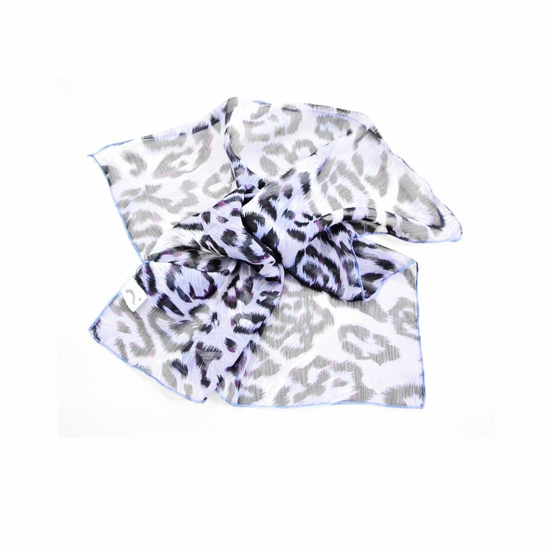 5752ce5e5 pañuelo chico animal print gasa varios modelos by chela. Cargando zoom.