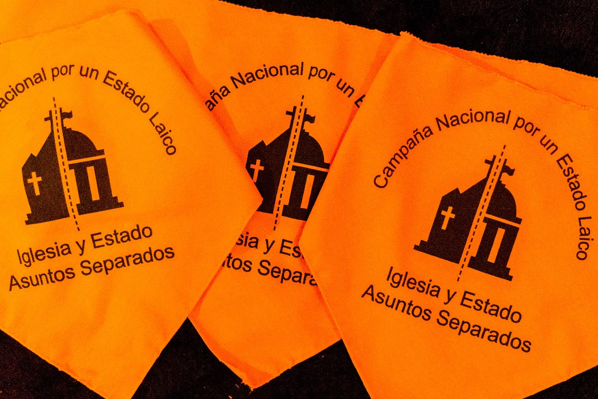fa6f2aaa85 pañuelo naranja campaña estado laico. Cargando zoom.