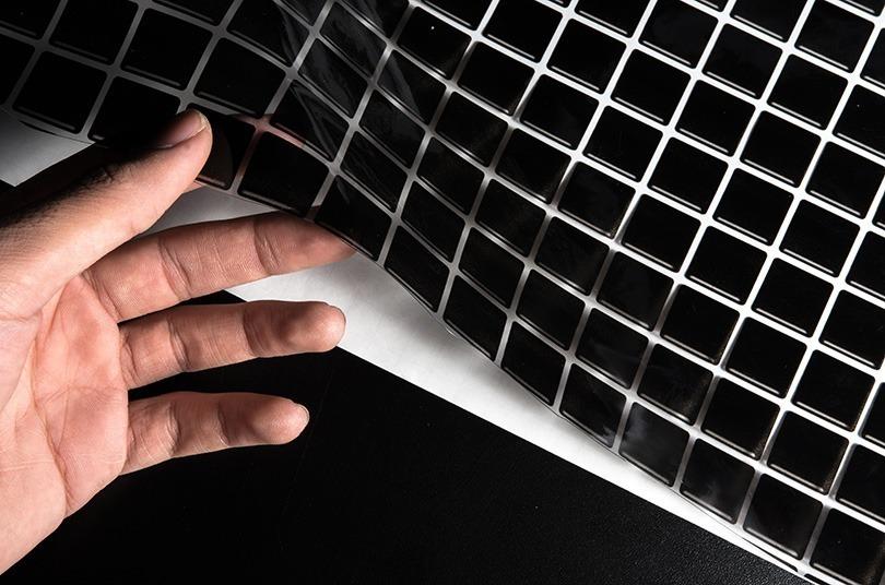dc958ab16 papel adesivo contact pastilha vitrificada preta 45cm x 10mt. Carregando  zoom.