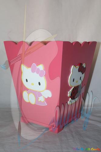 papelera de apliques de dibujos animados