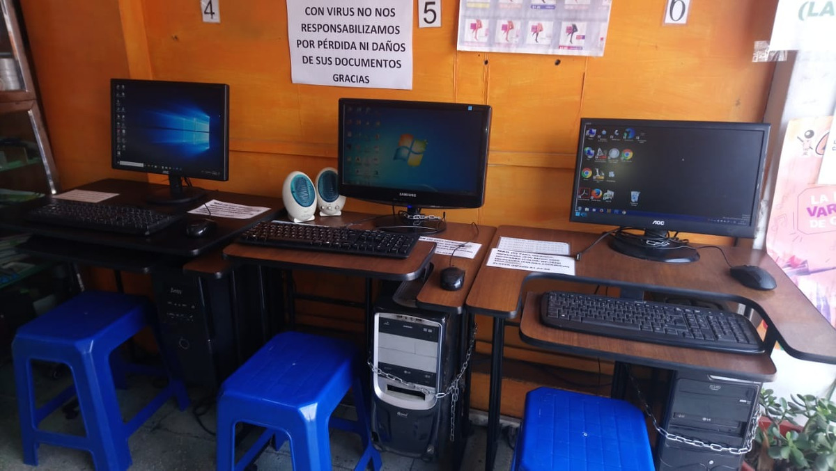 papelería con centro de copiado y ciber plotter
