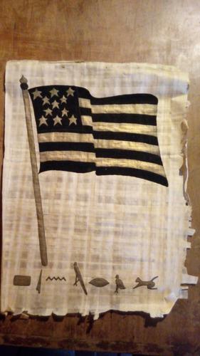 papiro con bandera de peñarol. hecho en egipto
