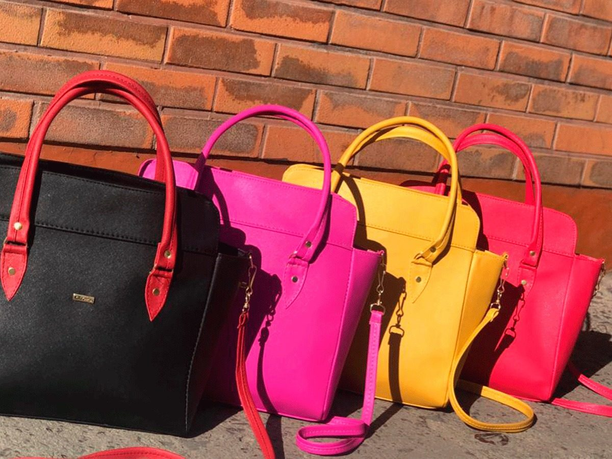 fc6759dcb Paquete 20 Bolsas De Moda Económicas Mayoreo - $ 3,300.00 en Mercado ...