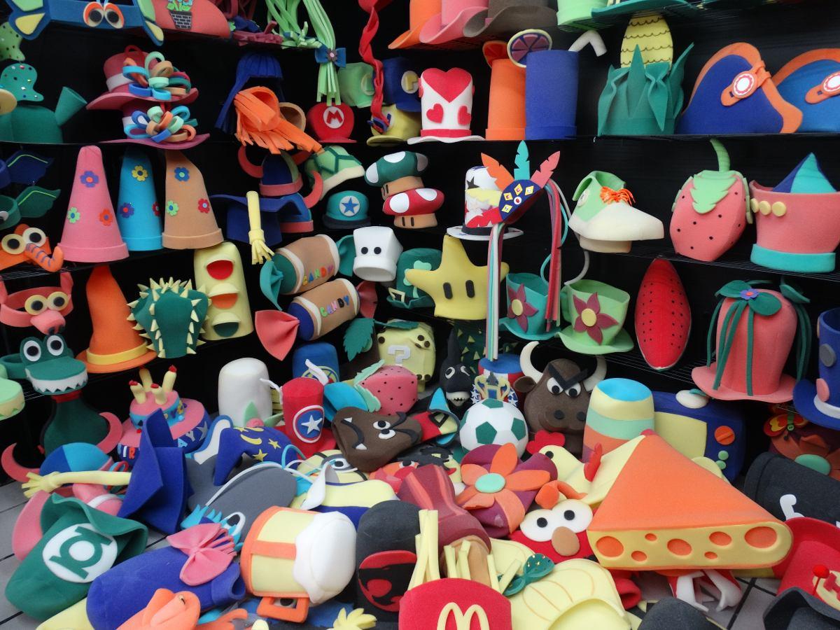 Paquete De 75 Pz De Sombreros De Hule Espuma Para Tu Fiesta ... aa229e74b52
