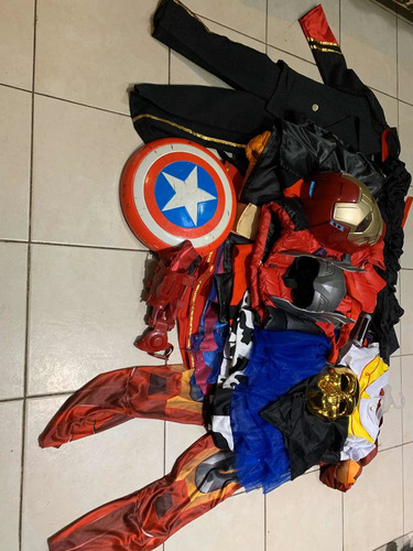 paquete de disfraces y accesorios