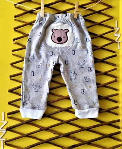 paquete x 2 pantalones blanco y gris estampados