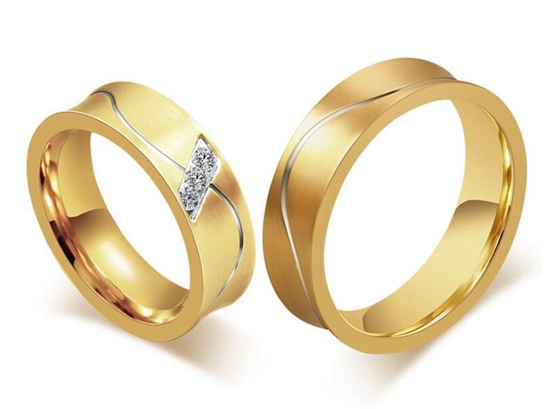 fdca36b40ba Par Aliança Noivado Casamento Banhada Folheada Ouro 6mm Top - R  120 ...