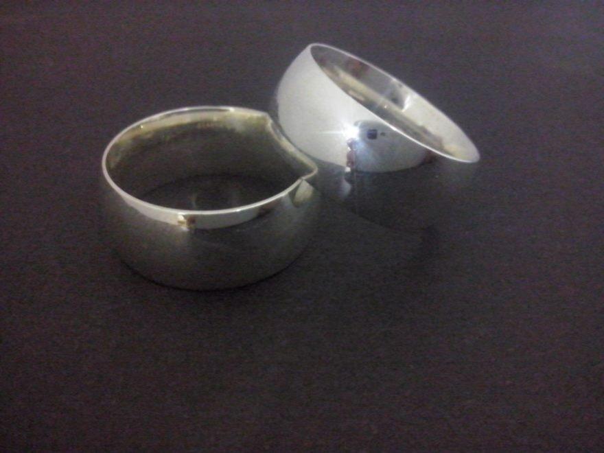 7724b91d3c037 par aliança prata tradicional 8mm 15 gramas anatômica lisa. Carregando zoom.