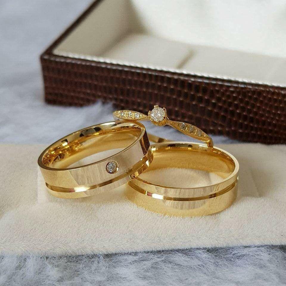 f41331fb46a Par Alianças Moedas Antigas Cor Ouro C pedra+anel Solitário - R  470 ...