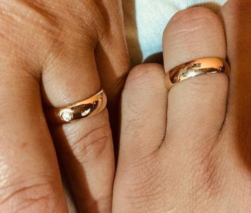 par alianças rommanel anatomica 4mm foheado ouro 511026 prom