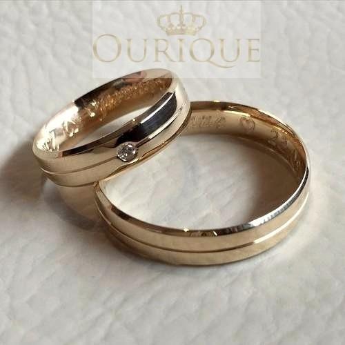 par de aliança de ouro 18k 750 com diamantes e friso love