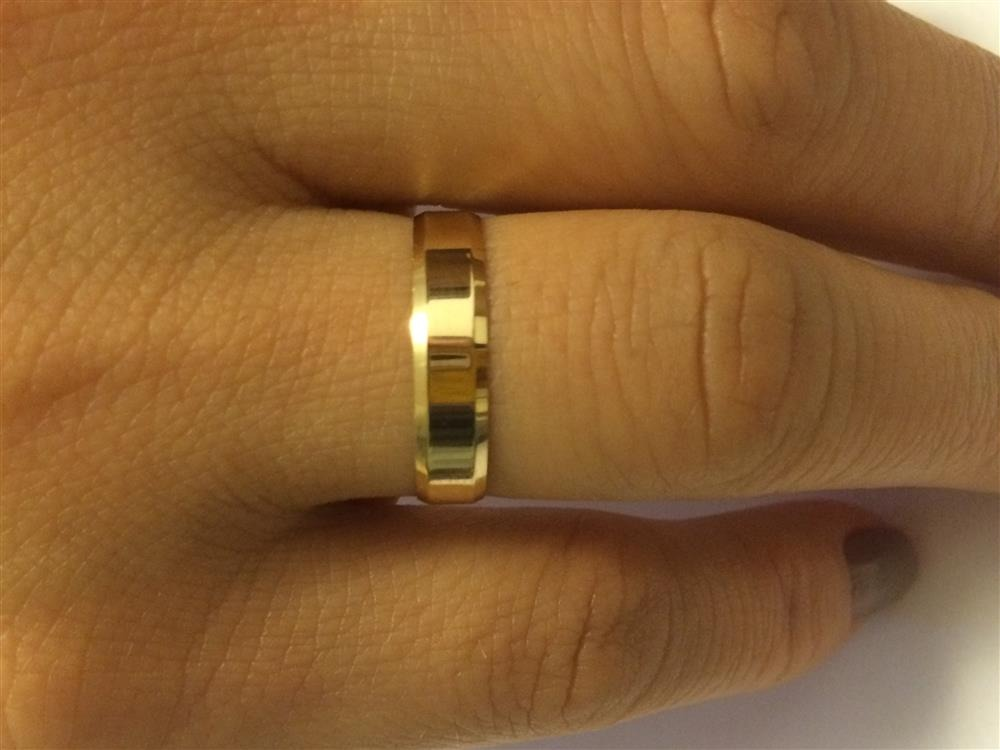 2d7c2cf73fc Par De Aliança Reta Chanfrada Ouro 18k 750 Com 4.5mm 4.5g - R  999 ...