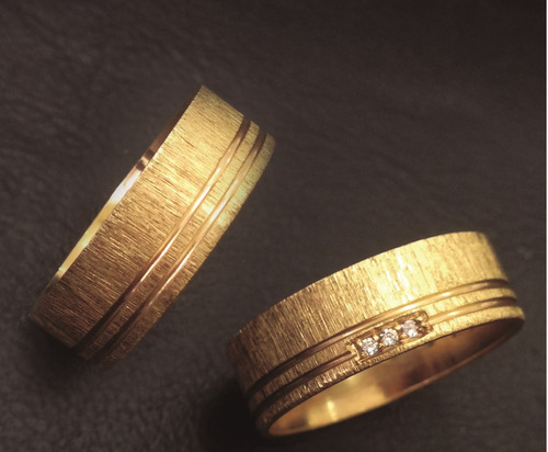 par de alianças - alianças diferenciadas - ouro 18k. 7 mm;;