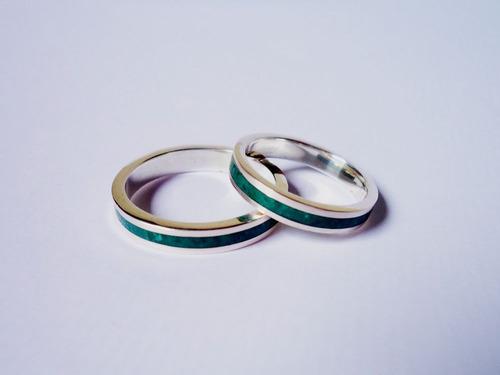 par de alianças de prata e pedra jade verde modelo reto 4 mm