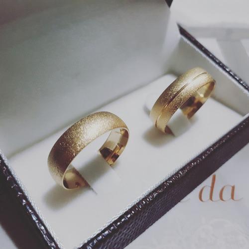 par de alianças em ouro 18k   anatômicas 6mm diamantada