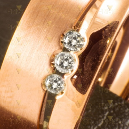 par de alianças em ouro modelo helicônia 3 diamantes al027