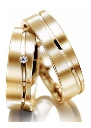 par de alianças ouro 18k 18 gramas reta anatômica 1 diamante