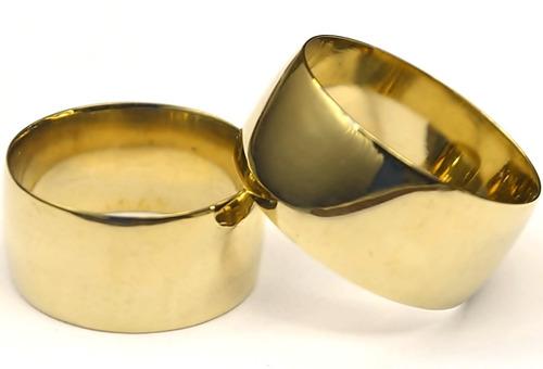 par de alianças pr/casamento 10mm tradic. reta cor de ouro