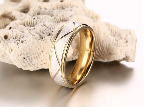 par de anillos de acero inoxidable, matrimonios y compromiso