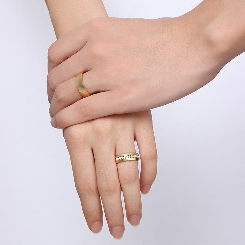 31bafc18f89f par de anillos de compromiso pareja acero inoxidable dorados. Cargando zoom.
