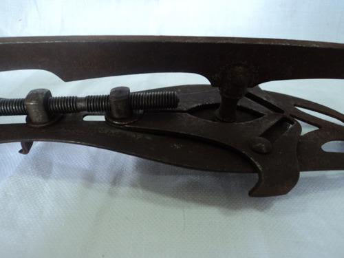 par de antiguas cuchilla para patines sobre hielo hierro