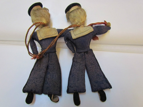 par de antiguas muñecas de paño lenci.18 cms.
