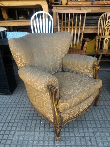 par de antiguos sillones lxv tapizados con almohadones