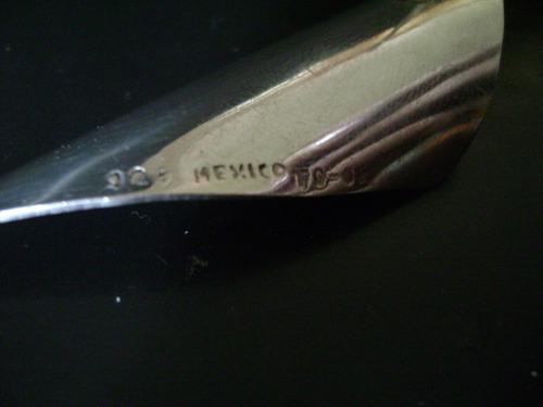 par de aretes en plata sólida ley .925. diseño de hoja