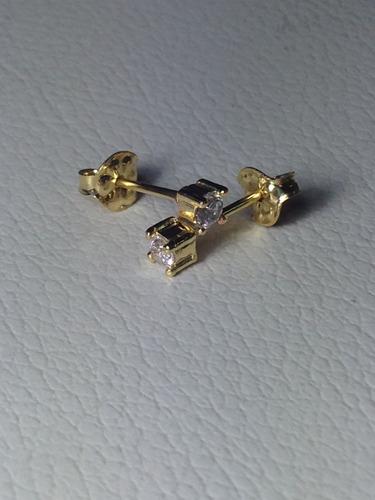 par de brincos com zircônia - semi jóias