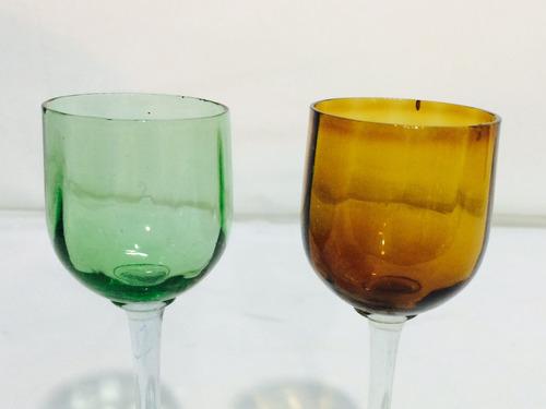 par de cálices para licor em demi cristal.
