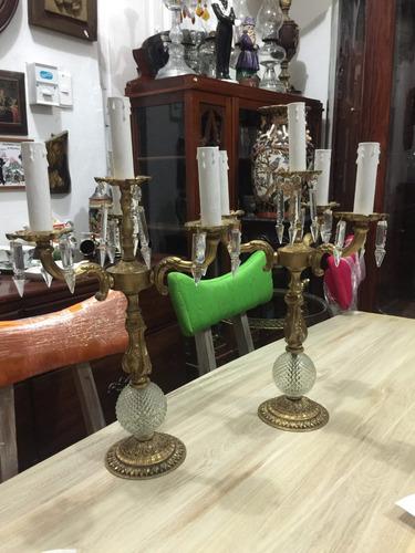 par de candelabros antiguos