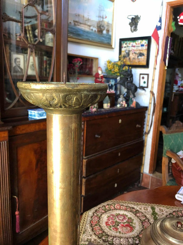 par de candelabros bronce antiguos