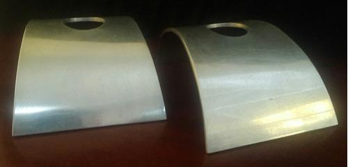 par de candeleros en aluminio escultoras bernardez - coppola