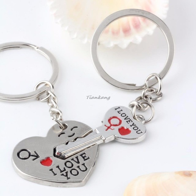 Par De Chaveiro Casal Chave Do Coração Presente Namorados - R  18,00 ... 44d45a6ef8