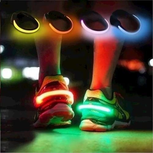 par de clip con luz led para zapatillas.