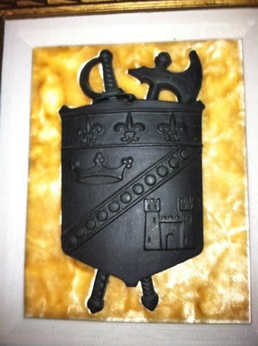 par de cuadros tipo antiguos de escudo de armas
