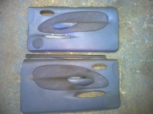 par de forro de portas fiesta 2 portas com detalhes usado