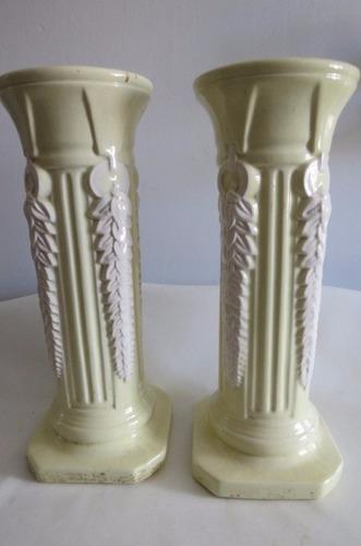 par de pilares para vasos de plantas ou esculturas