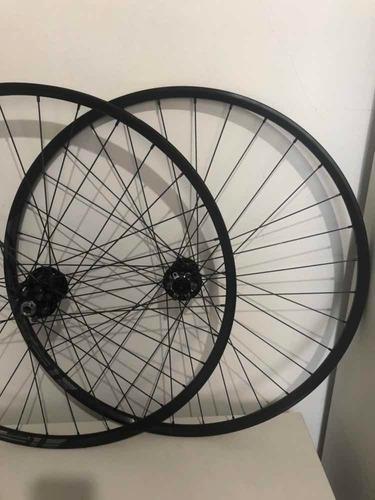 par de rodas roval specialized 29er 15 x 12mm seminova