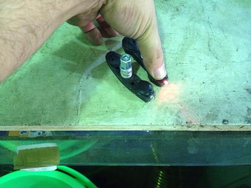 par de tacos de frenos con luces para bicicletas