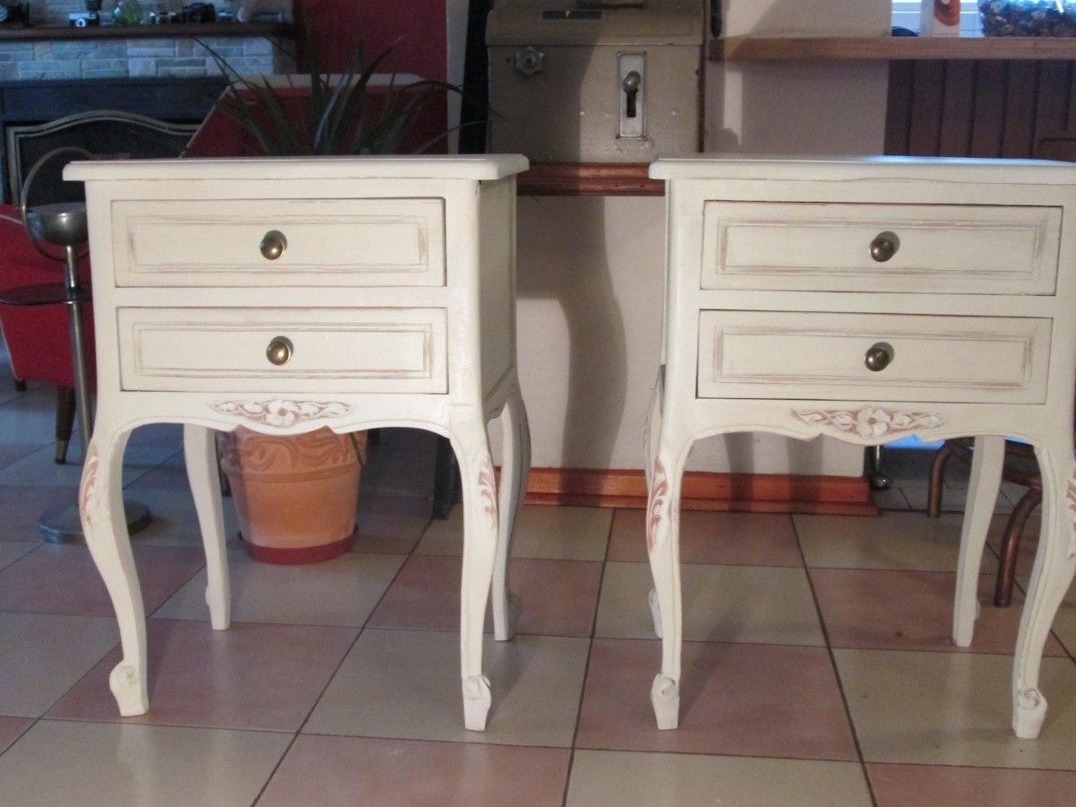 Muebles antiguos restaurados en blanco interesting for Muebles restaurados en blanco