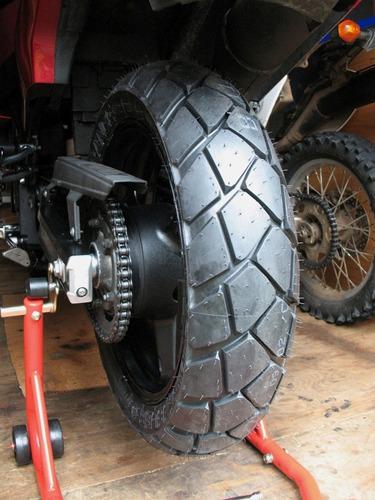 par pneus tourance metzeler 90/90-21 + 150/70-17 bmw f800gs