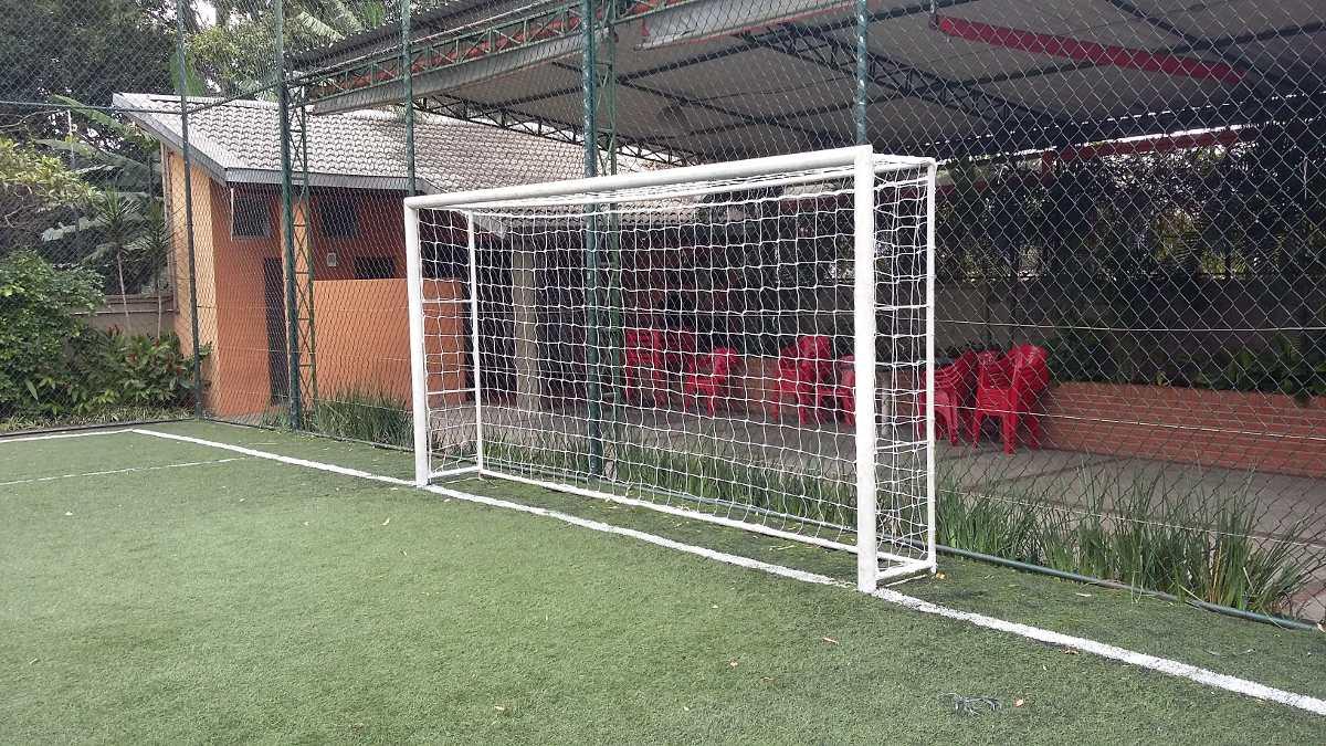 8aca159e4 Par Rede Gol Futsal Futebol De Salão Fio 6mm Oficial - R$ 195,00 em ...