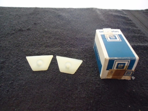 par retentor vidro traseiro caravan original gm 02899983