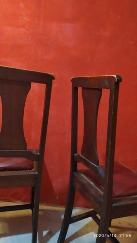 par sillas de dormitorio antigua de roble detalles en bronce