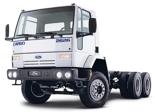 para-choque dianteiro do caminhão ford cargo 6x4 canavieiro