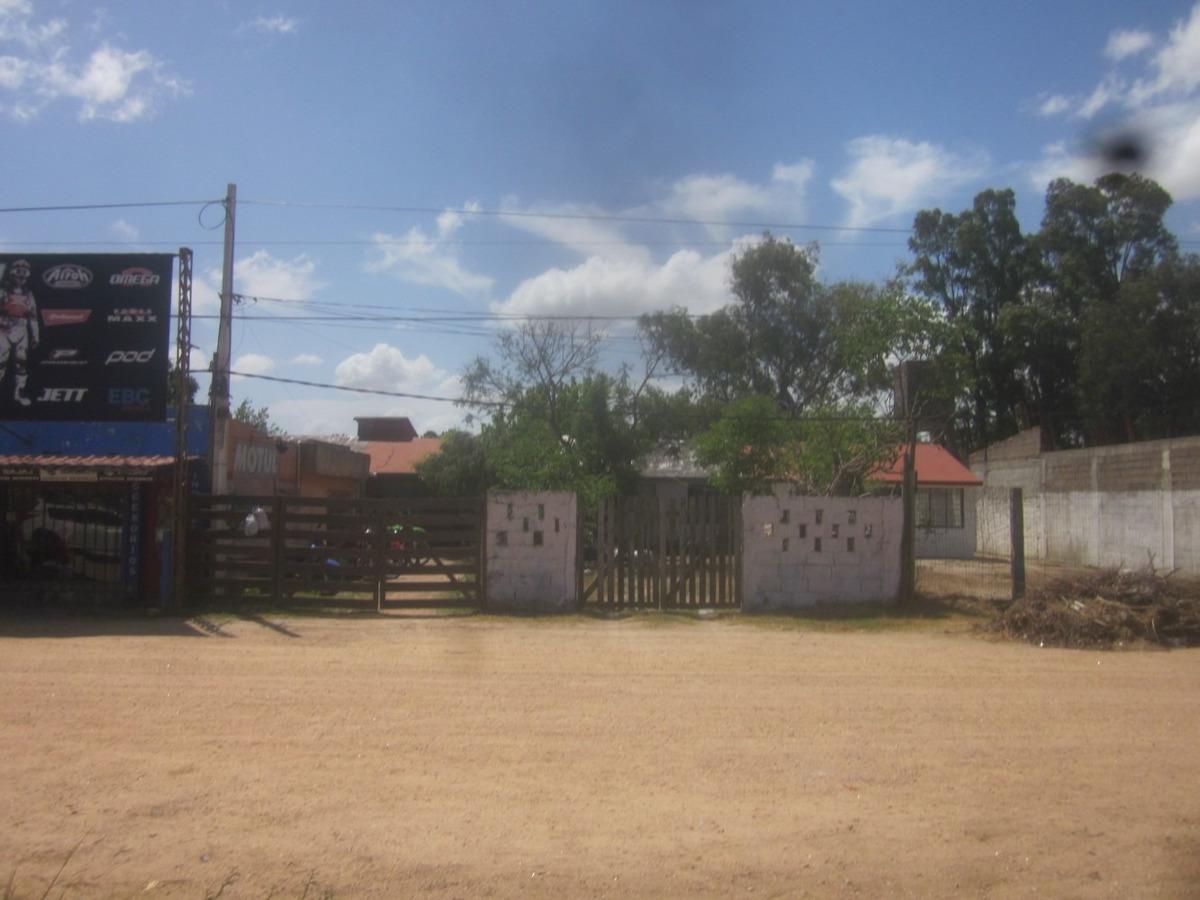 para inversores: cuatro bungalows y un local comercial