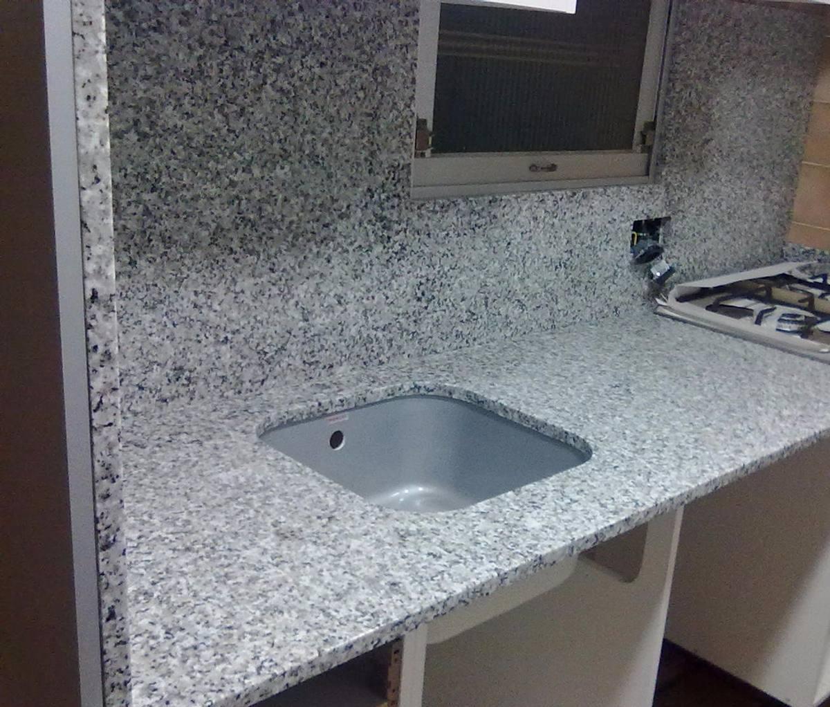 Para tu departamento granito natural barra granito natural for Barra de granito cocina